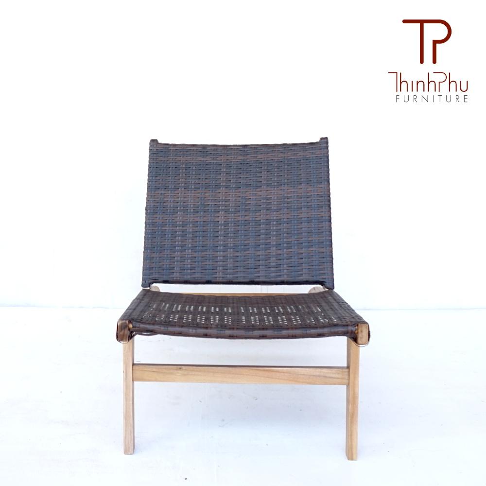 wood-wicker-outdoor-furniture-relaxing